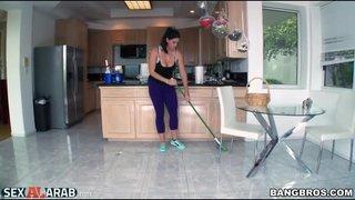 سكي مترجم تنظيف المنزل فى البيع الحرة xxx أنبوب عربي في Porn-data.info
