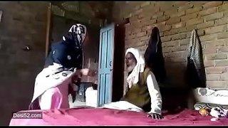 عجوز باكستاني ينيك زوجة ابنه المحجبة سكس عرب فيديو سكس