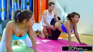 مدرب رياضة مع الطلاب سكس عرب فيديو سكس