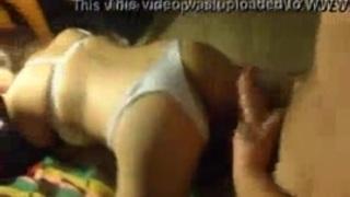 الابن يتحرش بأمة على السرير وهي نايمة الأفلام الإباحية العربية